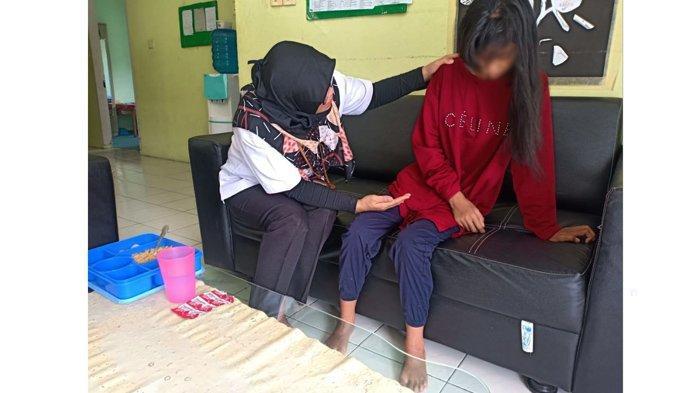 Jalani 3 Bulan Perawatan di Balai Anak Rumbai, AZ Penderita Depresi Berat Kembali ke Keluarga