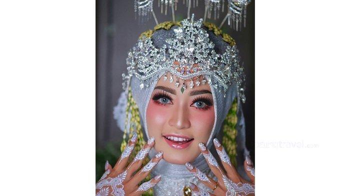 Bikin Wajah Imut Dengan Make Up Barbie Look Ala MUA Nuna Noyi