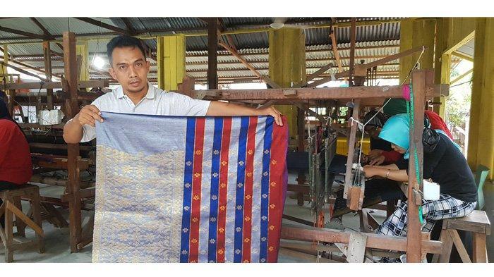 Cocok Dijadikan Oleh-oleh, Songket di Rumah Tenun Wan Atiqa Dumai Eksis Pertahankan Budaya Melayu