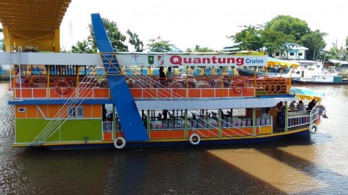 Kapal Restoran Terapung Quantung Cruise Resmi Beroperasi di Sungai Siak Pekanbaru