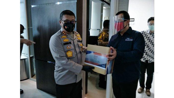 Polda Riau Salurkan Avigan dan Periksa Langsung Penanganan Pasien Covid-19 di RS Rujukan
