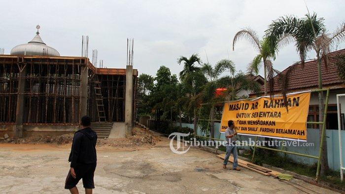FOTO : Masjid di Pekanbaru Tidak Menggelar Shalat Jumat Sementara Untuk Cegah Wabah Covid-19 - masjid-tidak-adakan-shalat-jumat-terkait-virus-corona2.jpg