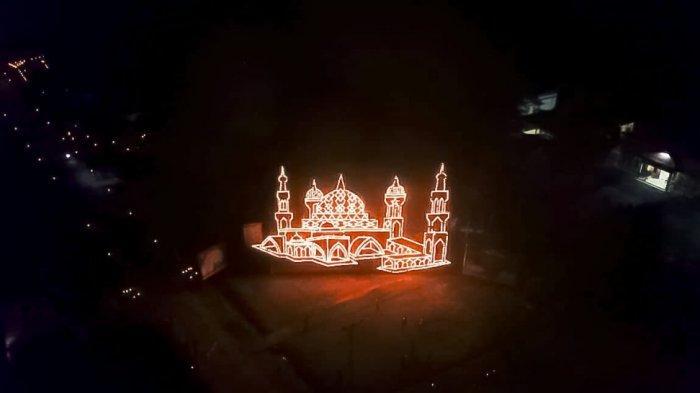 Indahnya Lampu Colok Miniatur Masjid Tiga Dimensi di Bengkalis