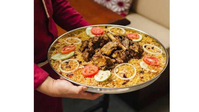 Menikmati Sajian Kuliner Khas Timur Tengah di Restoran The Food Opera Pekanbaru