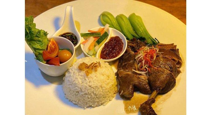 Sensasi Nasi Bebek Peking yang Empuk Khas Novotel Pekanbaru, Hanya Rp 89 Ribuan