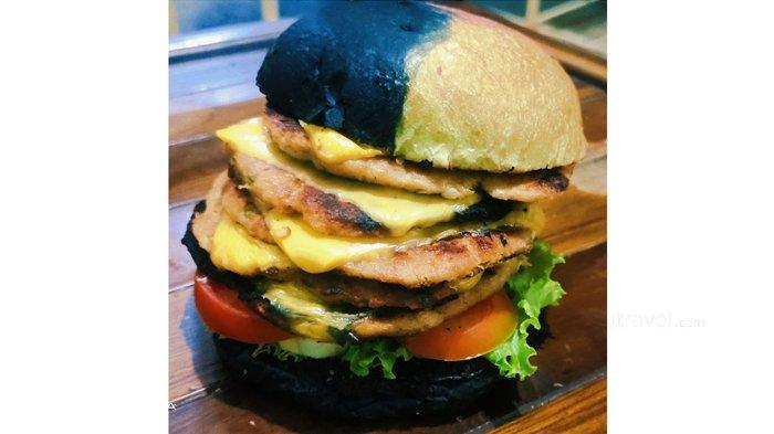 Burger Bunglon Sajikan Roti Warna-warni, Tanpa Bahan Pengawet dan 90 Persen Murni Daging Giling
