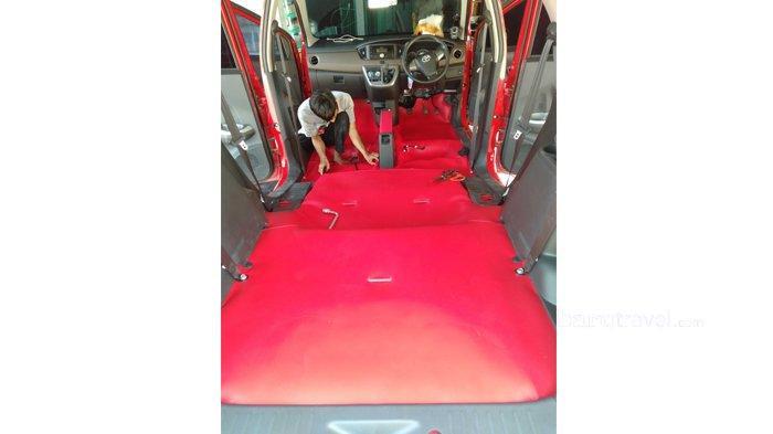 Cegah Lantai Mobil Cepat Keropos dengan Karpet Tahan Air