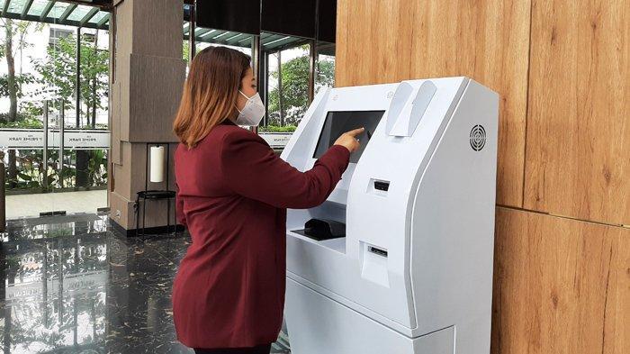 Inovasi Self Check In Machine di Prime Park Hotel, Tamu Makin Mudah Pilih Kamar Sendiri