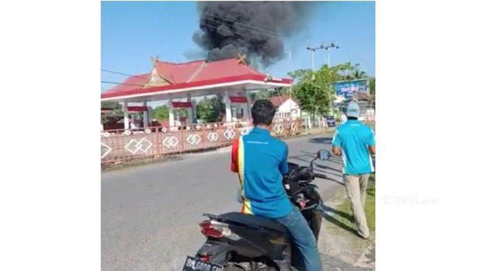Satu Motor Terbakar di SPBU BLJ Bengkalis, Jaraknya Hanya Sekitar 10 Meter Dari Mesin Dispenser SPBU