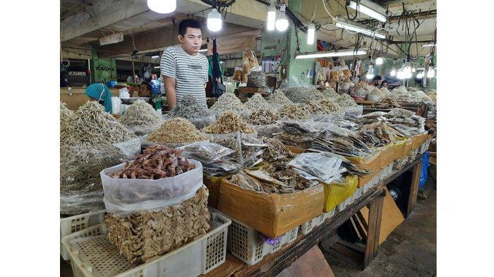 Aktivitas Pasar Wisata Pasar Bawah Pekanbaru Kembali Berdenyut Dalam Pandemi Covid-19