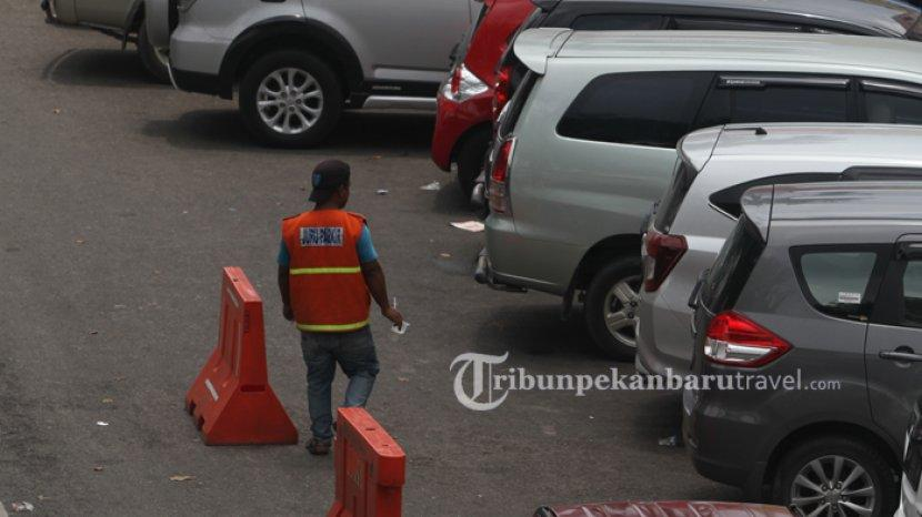 Jangan Kaget, Kini Parkir di Toko Ritel Berbayar, Ini Penjelasan Wako Pekanbaru