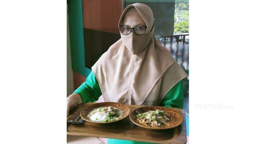 Menikmati Kuliner Khas Riau di Kedai Kopi Bengkalis Pekanbaru, Mie Sagu Lecah Pilihan Favorit