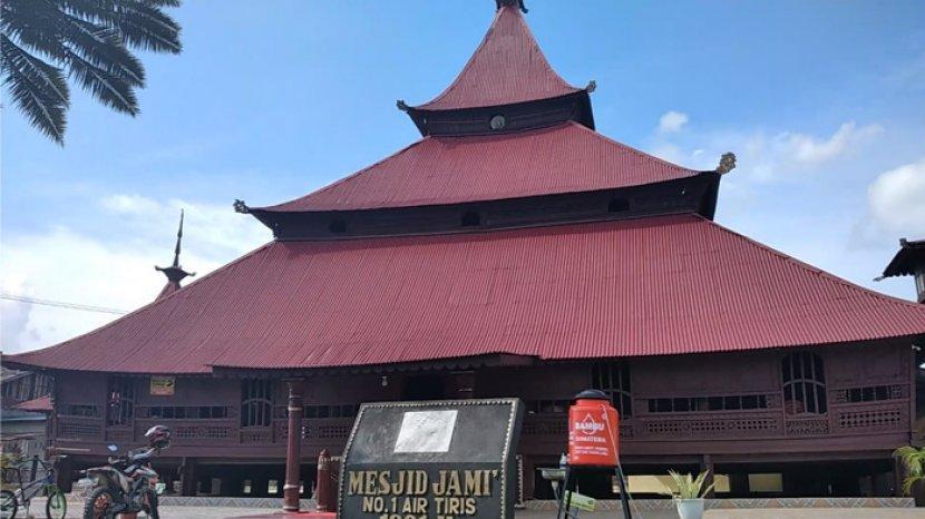 Masjid Jami Air Tiris, Masjid Tertua di Kampar yang Punya Cerita Magis