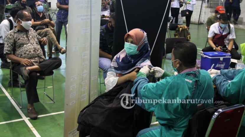 Hampir Setiap Pekan Dapat Tambahan, Total Sudah 2,3 Juta Dosis Vaksin Covid-19 Dikirim ke Riau
