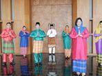 Foto-karyawanPrime-Park-Hotel-and-Convention-Pekanbaru-mengenakan-pakaian-melayu.jpg