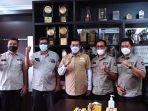 Perwakilan-TLCI-Riau-foto-bersama-dengan-Walikota-Pekanbaru-Firdaus-MT.jpg