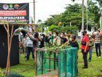 Pihak-BBKSDA-Riau-melakukan-pelepasliaran-elang-di-Kabupaten-Inhil.jpg