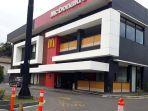 Suasana-restoran-cepat-saji-McD-di-Pekanbaru-Jalan-Sudirman.jpg