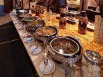 menu-rendang-belut-cabe-hijau-hingga-samba-buruak-dihadirkan-di-grand-zuri-hotel-pekanbaru1.jpg