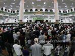 suasana-saat-salat-tarawih-di-masjid-agung-an-nur-beberapa-waktu-lalu.jpg