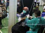 vaksinasi-covid-19-tahap-kedua-digelar-di-gelanggang-olahraga-remaja-pekanbaru3.jpg