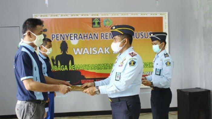 70 Napi di Riau Terima Remisi Hari Raya Waisak 2021