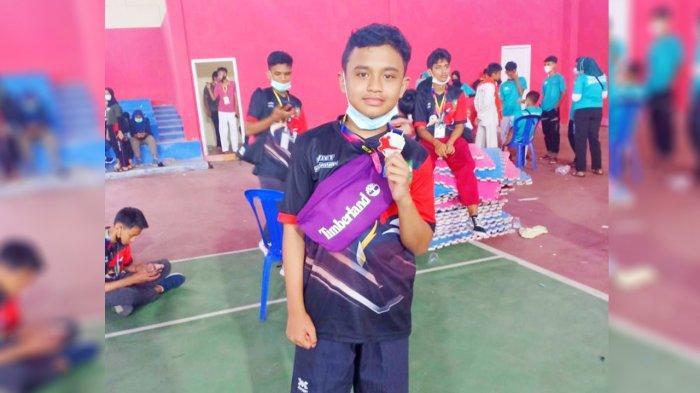 Atlet Taekwondo Junior Riau Khaisyar Siregar Raih Medali Perak di Diskepora Cup Jambi