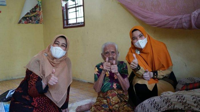 Delmo Taksiah, Nenek Berusia 100 Tahun di Kabupaten Siak