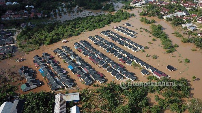 Foto: Banjir di Perumahan Pesona Harapan Indah Kota Pekanbaru - Foto-Banjir-di-Perumahan-Pesona-Harapan-Indah-dari-udara.jpg