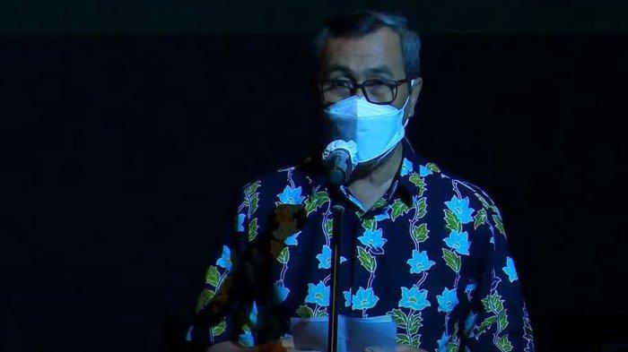 Gubernur Riau Syamsuar saat membuka acra Festival 80 Tahun Sutardji Calzoum Bachri
