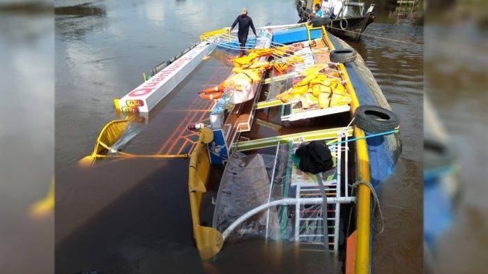 Kapal Wisata Quantung Cruise Tenggelam Saat Bersandar di Dermaga