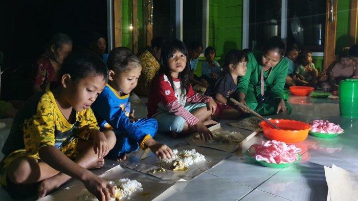 Buka Puasa Bersama Warga Suku Talang Mamak dengan Dompet Dhuafa Riau