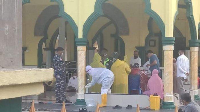 Kasus Covid-19 Membludak, Desa Tanjung Samak Meranti Lockdown