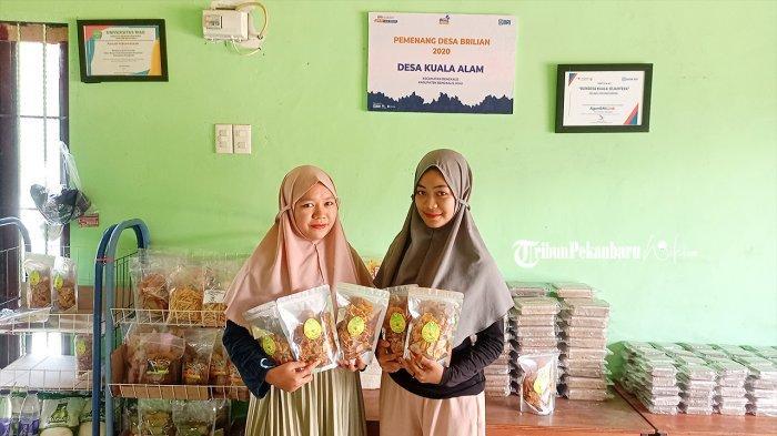 Olah Lahan Tidur, BUMDes Kuala Alam di Bengkalis Luncurkan Produk Adalan Keripik Nanas