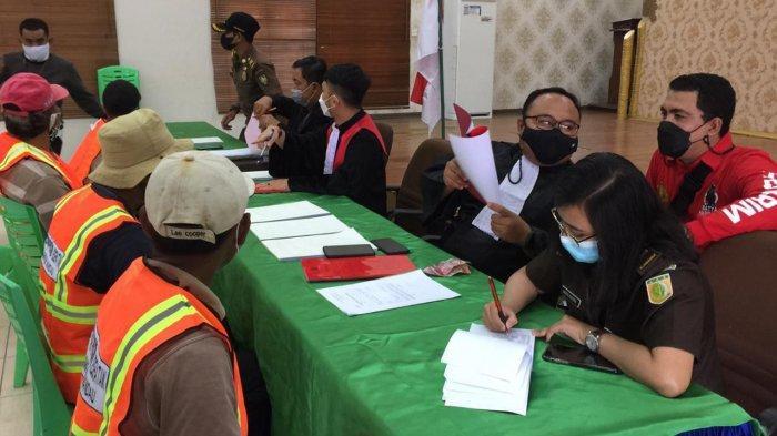 Para Pelanggar Protokol kesehatan di Mandau, Bengkalis langsung sidang ditempat, Kamis (29/4/2021)
