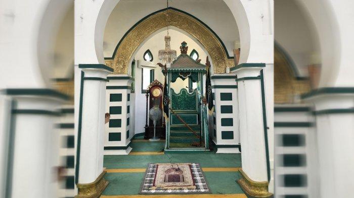 Mimbar Masjid Syahabuddin di Siak Riau ini Sudah Berusia 300 Tahun