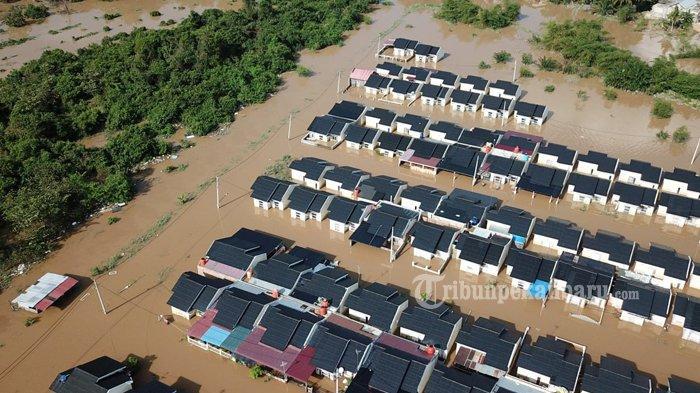 Foto: Banjir di Perumahan Pesona Harapan Indah Kota Pekanbaru - Perumahan-Pesona-Harapan-Indah-yang-terendam-banjir-akibat-luapan-Sungai-Sail-di-Pekanbaru.jpg