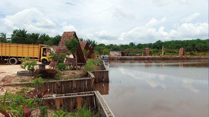 Embung Karhutla di Kampung Dayun kini  sekarang dimanfaatkan Kelompok Sadar Wisata (Pokdarwis) Dayun sebagai destinasi wisata