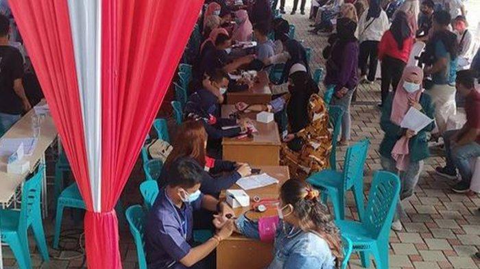 Polda Riau Salurkan 9 Ribu Dosis Vaksin Untuk 3 Perguruan Tinggi di Pekanbaru