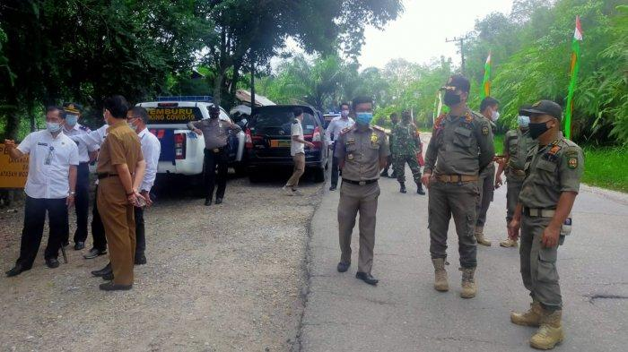 Pos Penyekatan larangan mudik di Perbatasan Riau-Sumbar di Kecamatan Kecamatan Kuantan Mudik, Kabupaten Kuansing mulai diaktifkan, Rabu (28/4/2021)