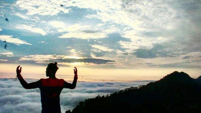 Bukit Suligi di Rokan Hulu Riau