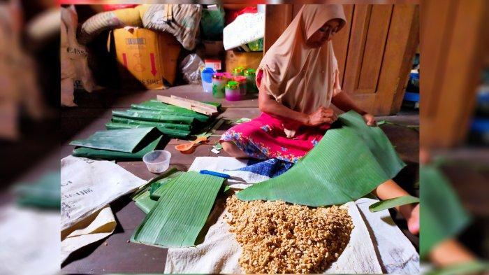 Kisah Soidah,  Perajin Tempe di Kepulauan Meranti Riau
