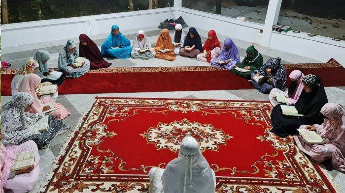 Suasana di Rumah Quran Hajjah Rohana milik Ustadz Abdul Somad di Desa Rimbo Panjang, Kabupaten Kampar, Riau