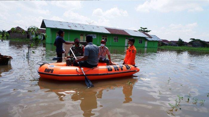 Sungai Siak Meluap, Ratusan Warga Perumahan Witayu Rumbai Pekanbaru Terpaksa Mengungsi