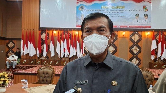 Walikota Pekanbaru Firdaus Ajak Warga Zona Merah Covid-19 Salat Ied di Rumah