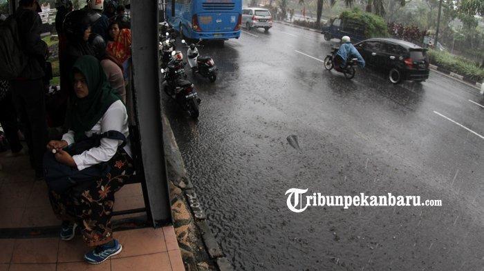 BMKG Ingatkan Riau Waspada Musim Hujan, Curah Hujan Lebih Tinggi