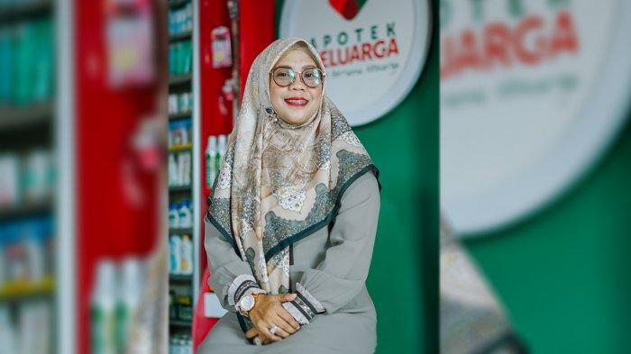 Desi Wahyuni, Berhasil Jalani Usaha Apotek di Pekanbaru
