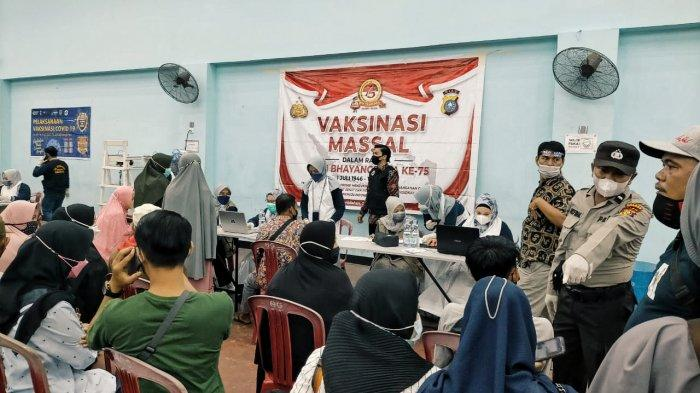 Dalam Sehari 5 Ribu Waga Inhil Riau Ikuti Vaksinasi, Berikut Ini Datanya