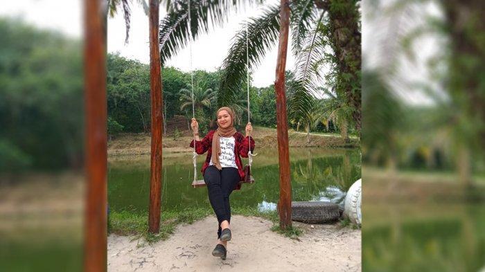 Oktaria , Sukses Jalani Bisnis Bakso Miss Baper 789