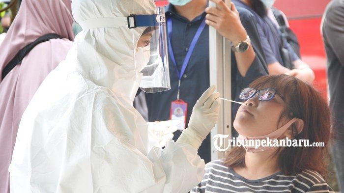 Swab Test Massal di Pasar Bawah Pekanbaru